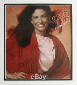 LORETTA LYNN AUTOGRAPHED HAND SIGNED VINYL RECORD ALBUM COVER FRAMED withCOA 1979
