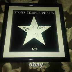 STONE TEMPLE PILOTS SIGNED ALBUM SLEEVE With SCOTT WEILAND AUTO FRAMED With JSA LOA